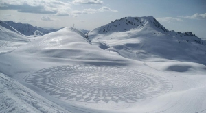 Simon-Beck-snow-art1